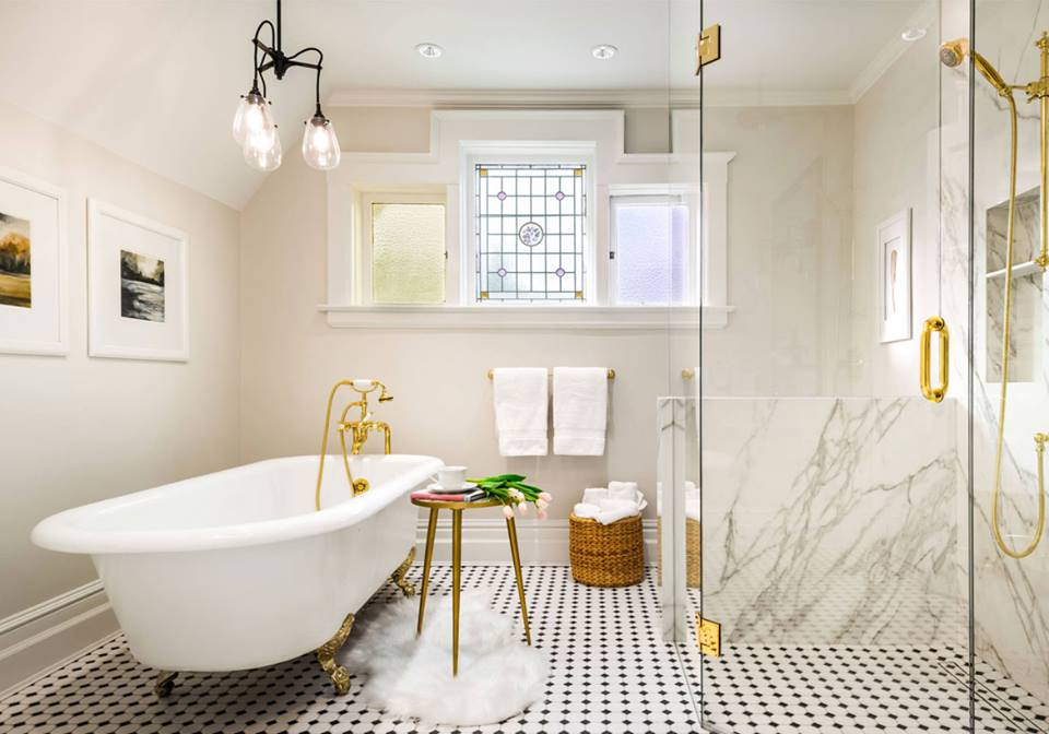gold accent in bathroom