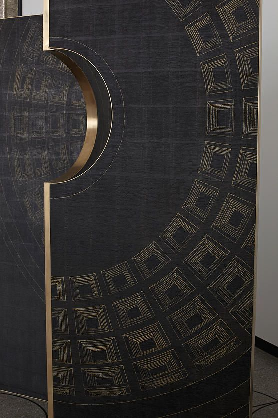 circle door