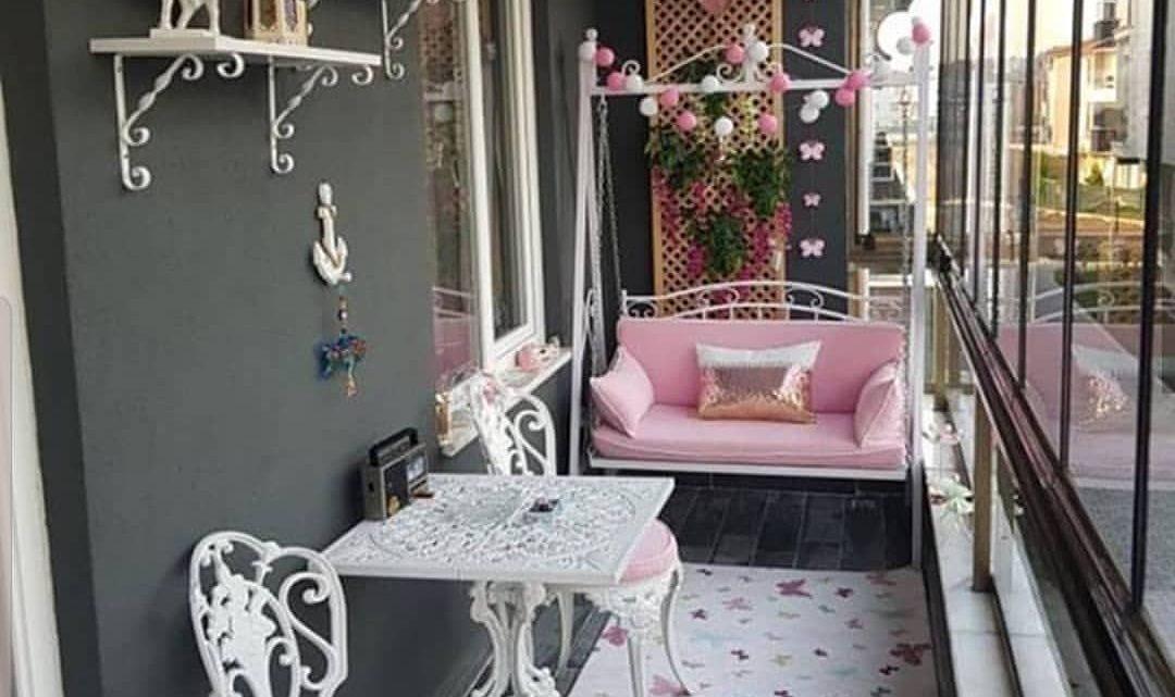 Cute and Fancy Balcony Decor