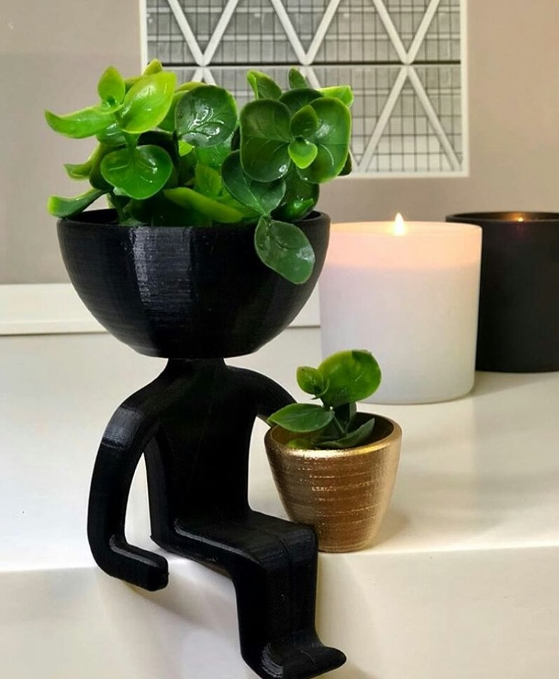 black mini pots