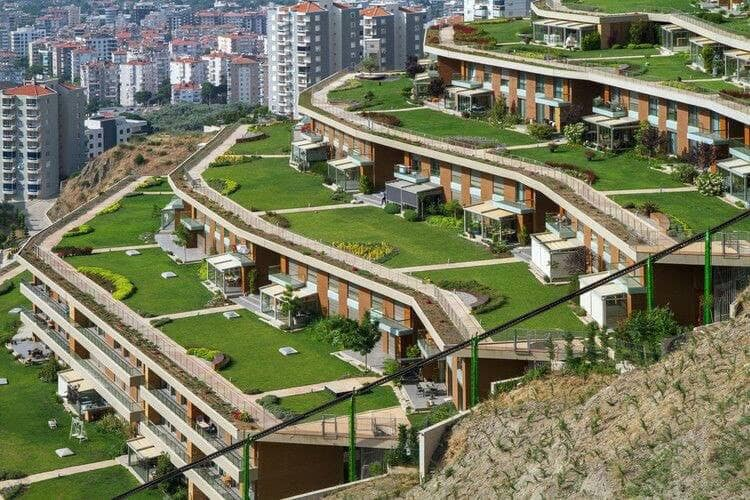 houses build on a slope