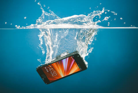 phone into water