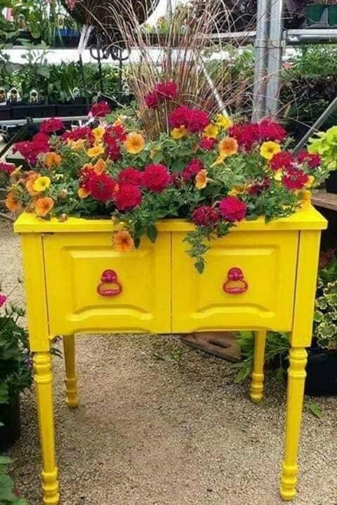 yellow bureau