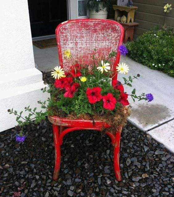 Make an Old Furniture Planter for Your Flowers