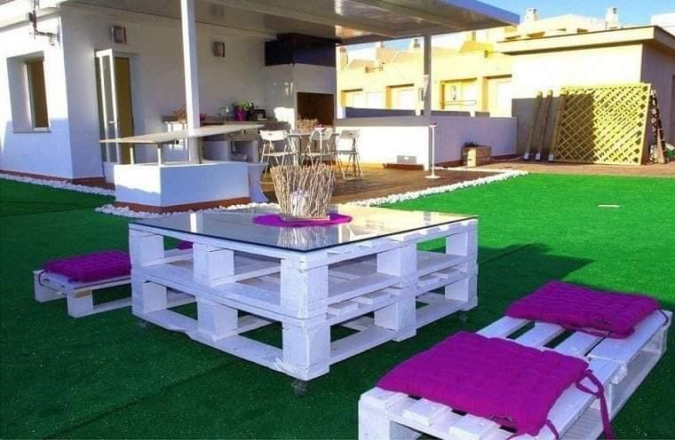 cheap pallets seating area