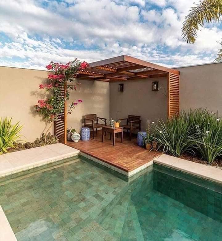 pool in yard