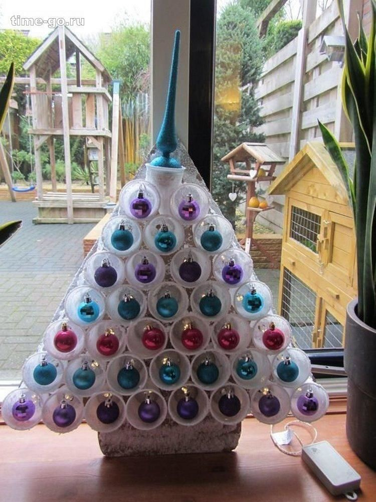 plastic cups Christmas tree