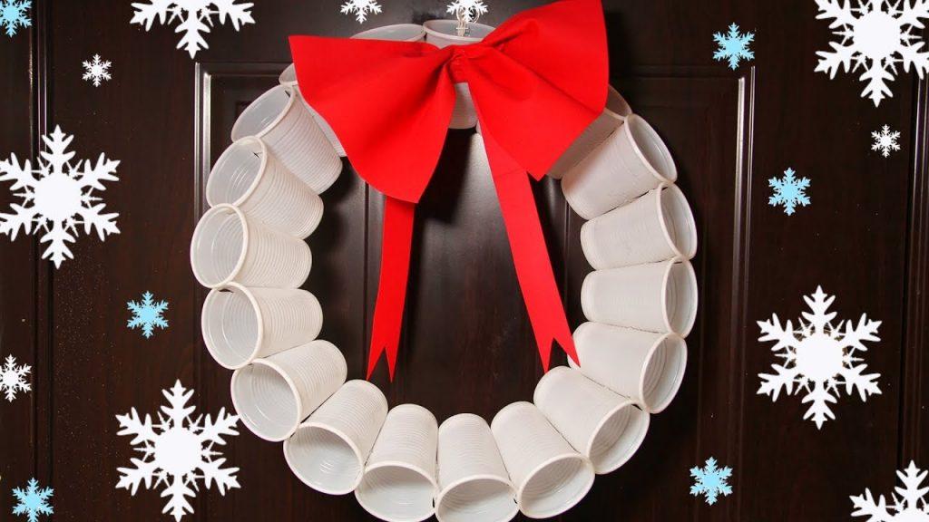 plastic cups wreath