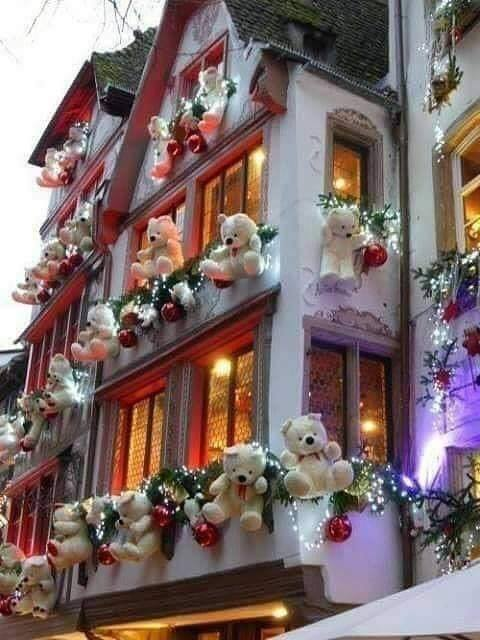 Christmas balcony decor