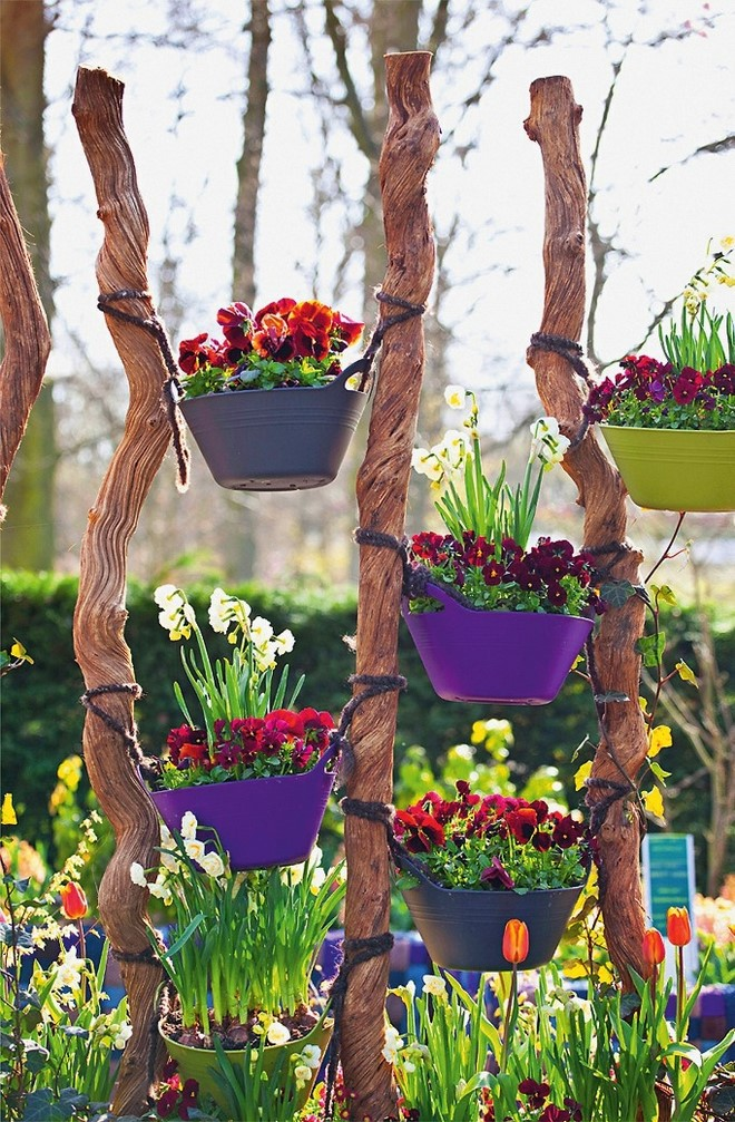 hanging floating pots