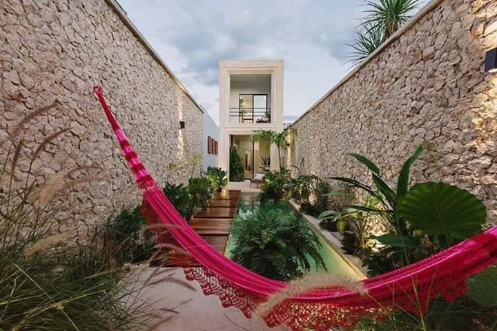 Fall in Love With These Courtyard Designs