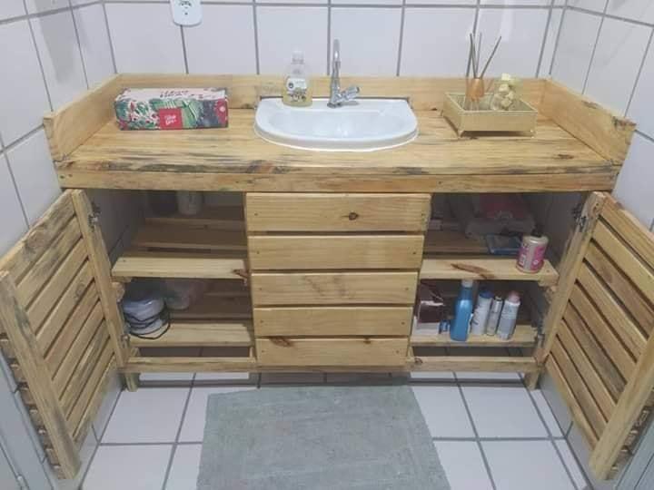 wooden bath stand